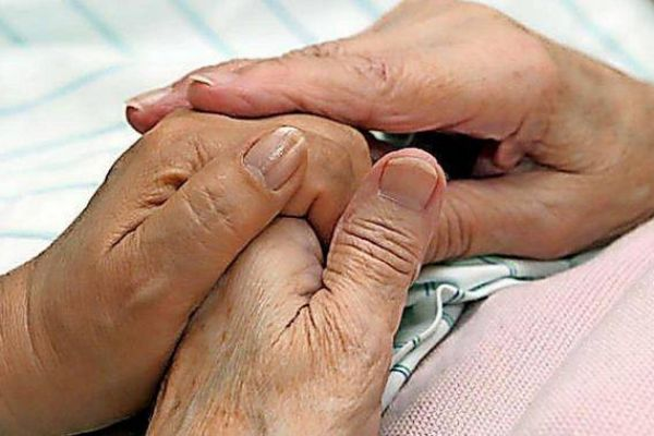 Suche Arbeit als Pflegerin 24h mit Unterkunft