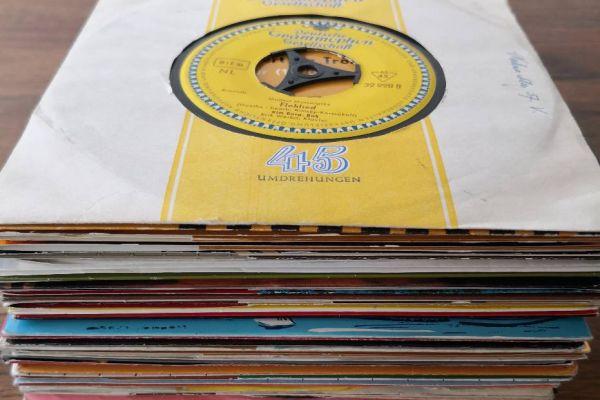 Schallplaten Singles - 36 Stück 45ger