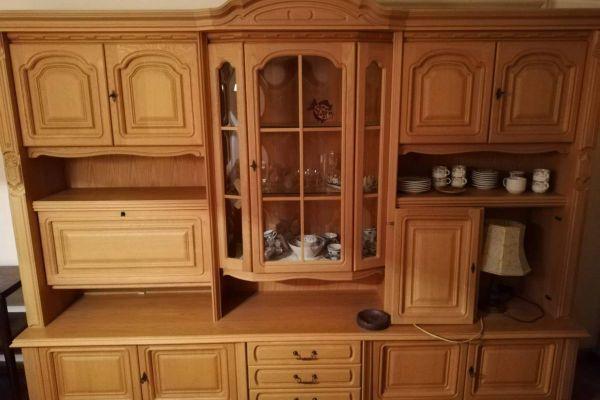 Wohnzimmerschrank aus Eiche mit Vitrine und Minibar