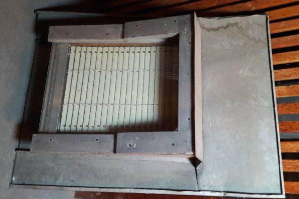 Dachfenster mit Blecheinfassung