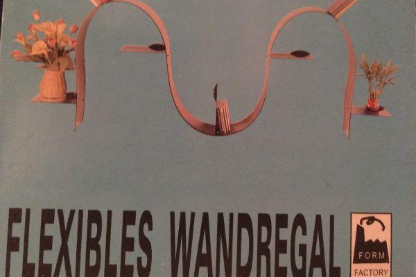 Flexibles Wandregal