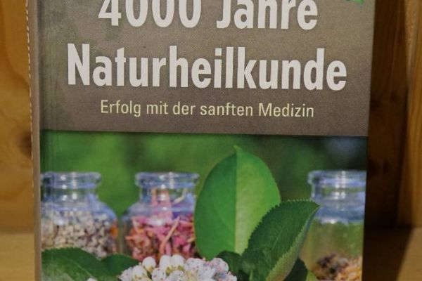 Buch: 4000 Jahre Naturheilkunde