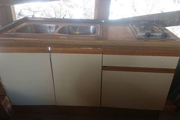 Verkaufe Küche aus Holz / Vendo cucina in legno
