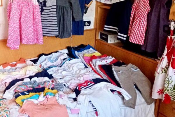 Kleidung große Auswahl • vestiti vasta scelta