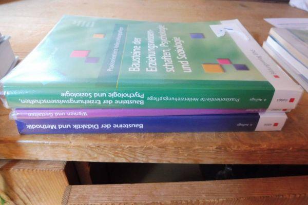 Schulbücher für Altenpflege