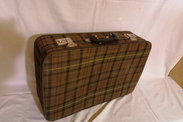 Koffer mit Stoffüberzug