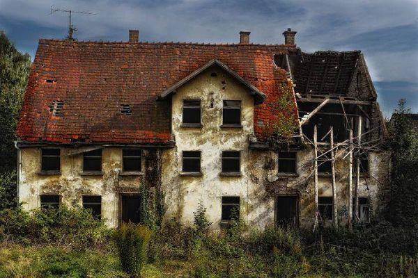 Renovierungsbedürftiges Haus/kleiner Bauernhof/Baugrund gesucht!