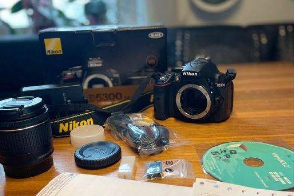 Nikon D5300 plus Zubehör