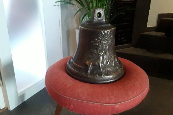 Alte gegossene Glocke