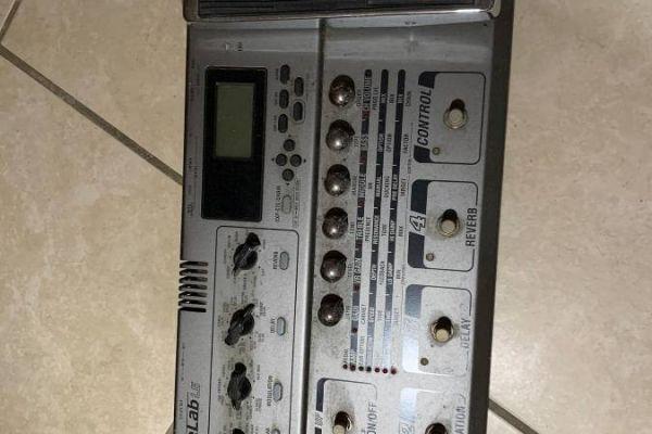 Gitarren-Bass Effektpedal/Synthesizer
