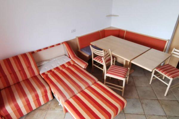 Tisch Couch Eckbank Stühle Esstisch
