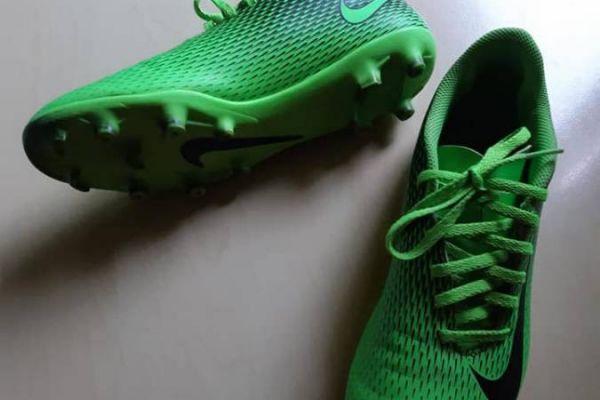 Fussball Grün gr Marke Nike gr 40