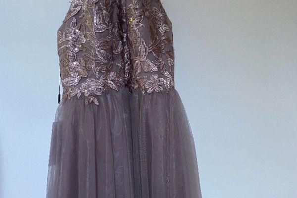 Noch nie getragenes Kleid
