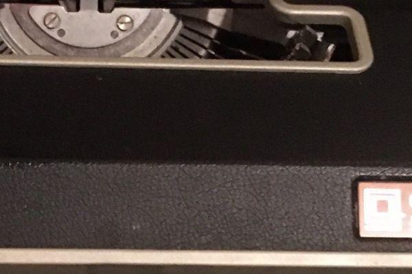 Schreibmaschine Olivetti Lettera Dl
