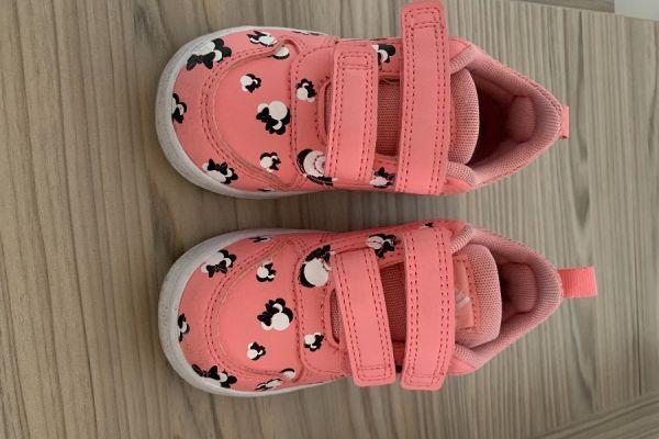 Erkaufe sehr gut erhaltene Schuhe gr 22