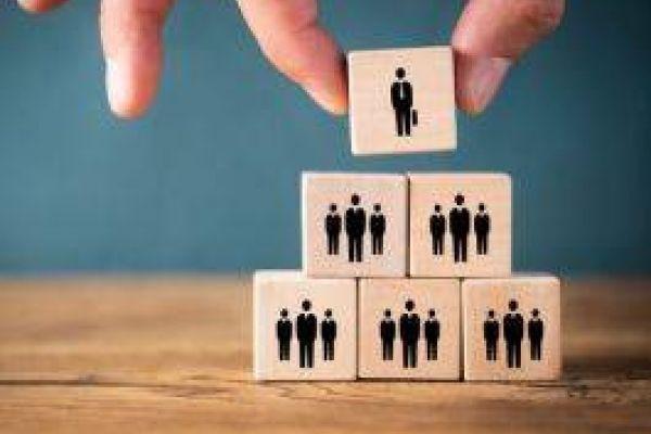 Als Führungskraft/Mitarbeiterin arbeiten