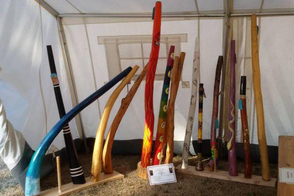 Selbst angefertigte Didgeridoos