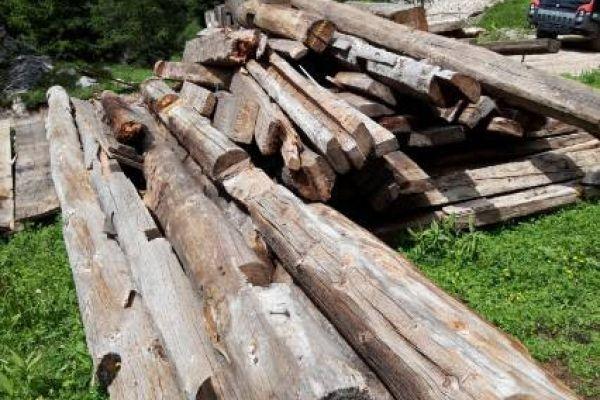 Altholz zu verkaufen