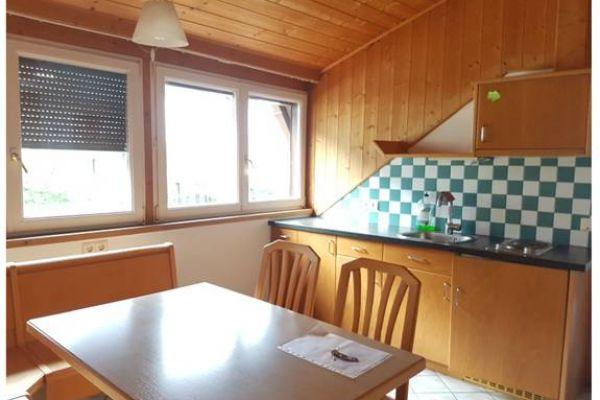 Geräumige Ein-Zimmer-Mansardenwohnung in Kaltern zu vermieten