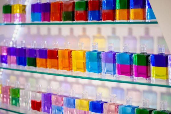 Aura Soma alle 121 Equilibrium Flaschen