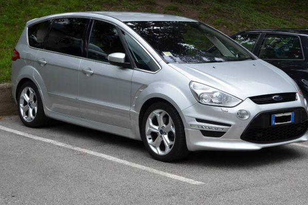 Ford S Max Titanium S