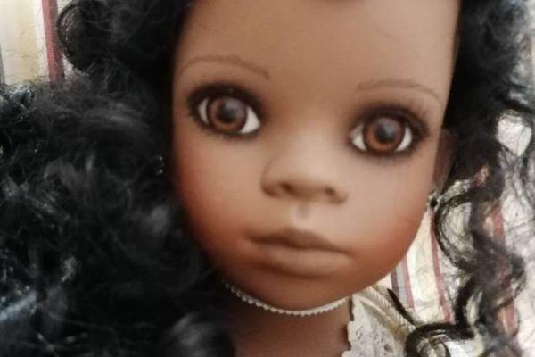 Schöne Deko-Puppe