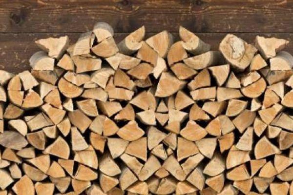 Meterholz oder gehacktes Holz (33 cm) zu verkaufen - Fichte / Föhre