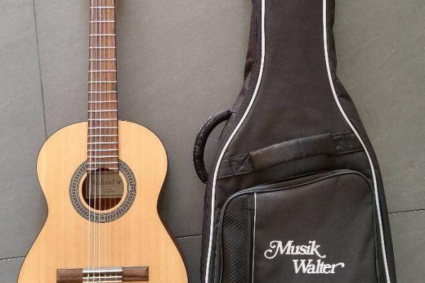 Kindergitarre 3/4 Größe + Tasche