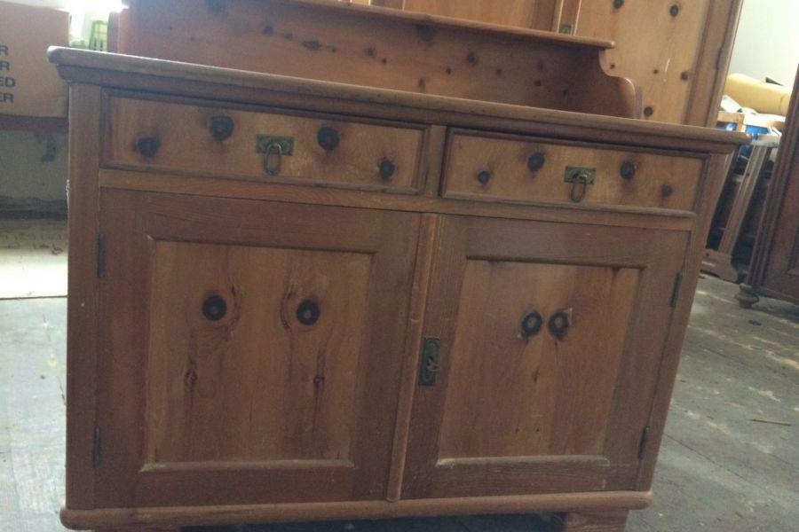 Kommodeschrank mit zwei Nachtkaestchen in Massivholz - Bild 1