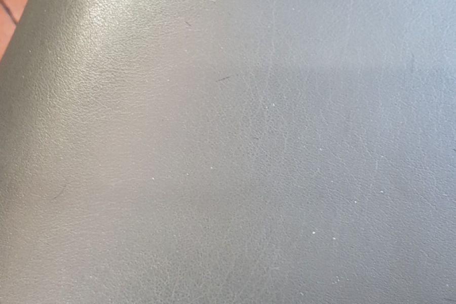 Graue Friseurstühle - Bild 2