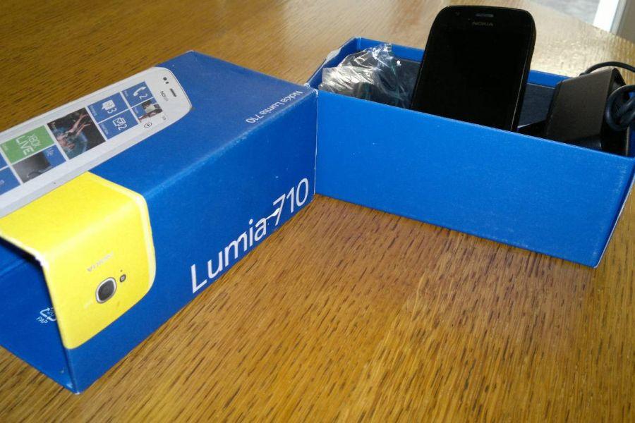 "Handy ""NOKIA LUMINA 710"" - Bild 1"