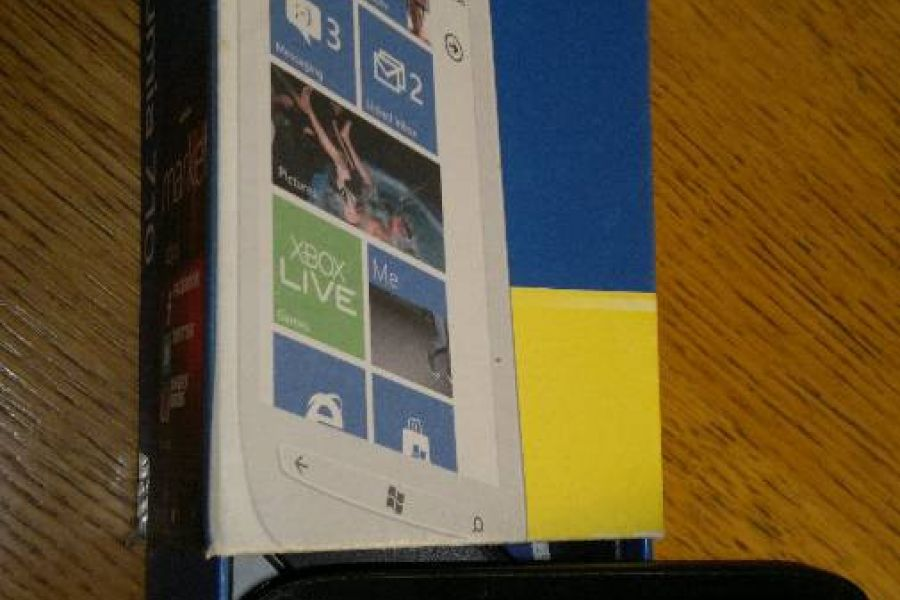 "Handy ""NOKIA LUMINA 710"" - Bild 2"