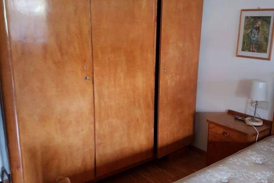 Antiker Schrank Massivholz - Bild 1